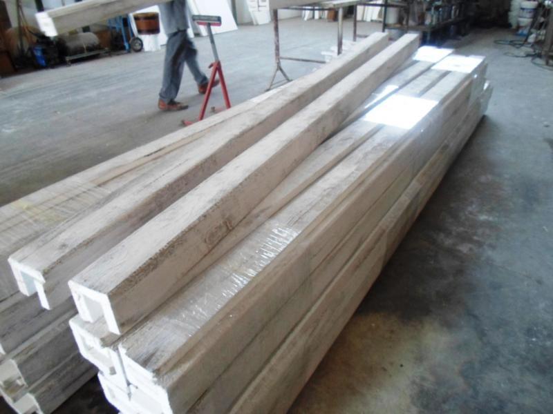 Travi finto legno bianche for Polistirolo finto legno
