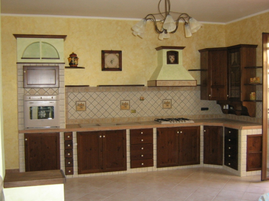 Cucine strane cucina rustica moderna with cucine strane for Scritte in polistirolo prezzi