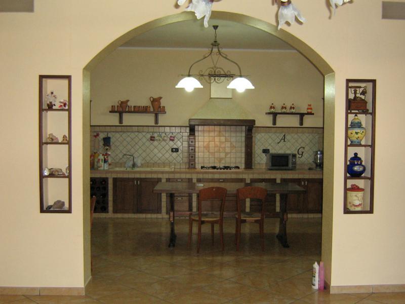 Stranolegno design creazioni in polistirolo sculture sfere in polistirolo scritte in - Archi in cucina ...